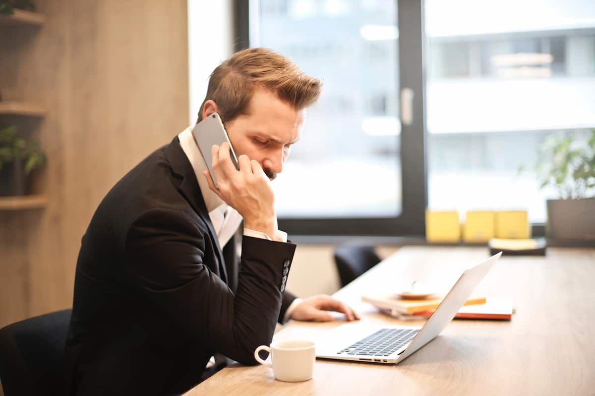 employees keep their personal mobiles on person