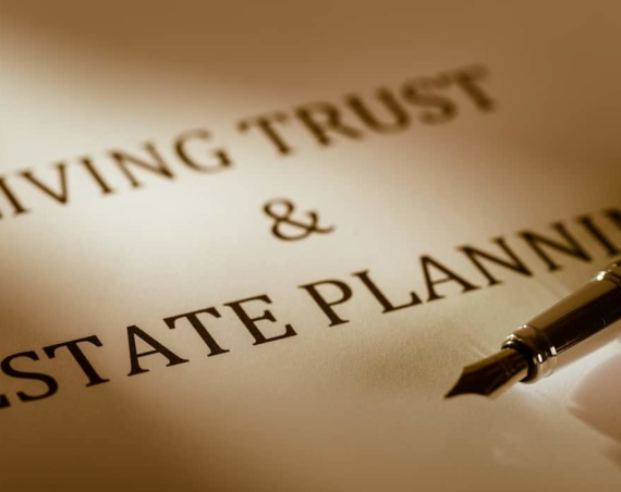 benefits of a trust vs a will